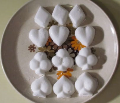 Moulded marshmallows